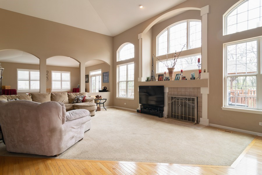 Real Estate Photography - 850 Forest Glen Court, Bartlett, IL, 60103 - Family Room