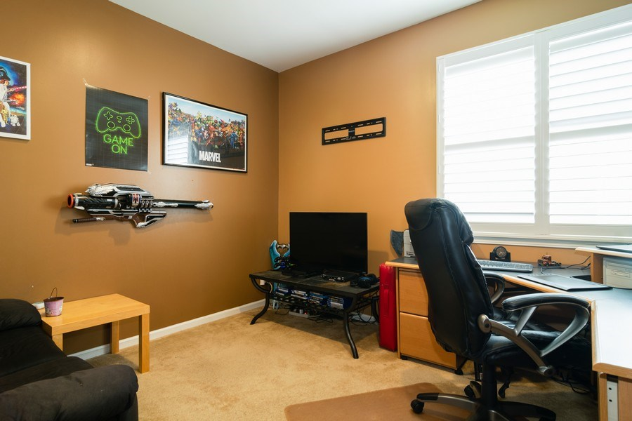 Real Estate Photography - 850 Forest Glen Court, Bartlett, IL, 60103 - Office
