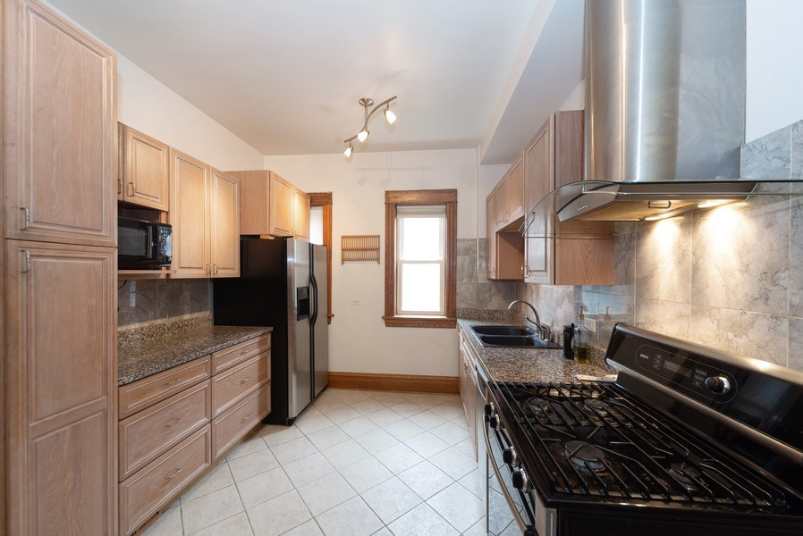 Real Estate Photography - 2416 N. Fairfield Avenue, Unit 2, Chicago, IL, 60647 - Kitchen