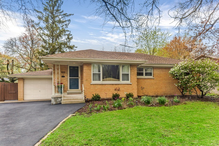 Real Estate Photography - 409 E. HILLSIDE Road, Naperville, IL, 60540 - Front View