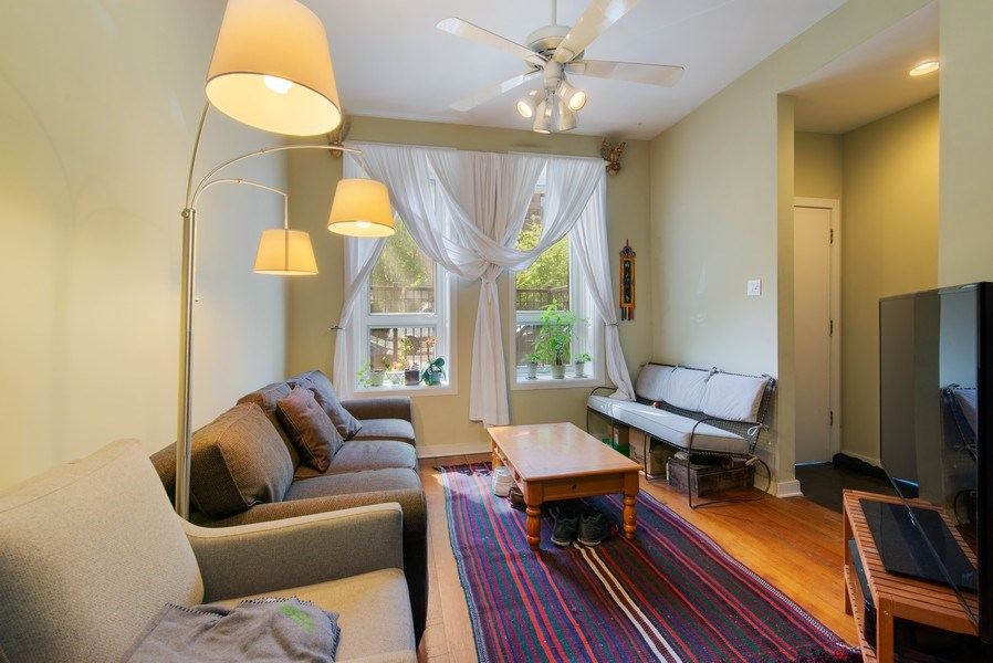 Real Estate Photography - 1037 North Wolcott Ave, Chicago, IL, 60622 - Living Room