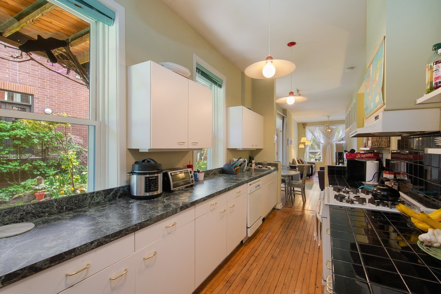 Real Estate Photography - 1037 North Wolcott Ave, Chicago, IL, 60622 - Kitchen