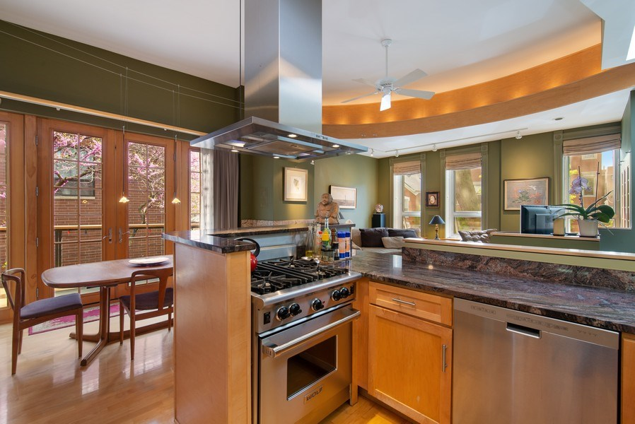 Real Estate Photography - 1037 North Wolcott Ave, Chicago, IL, 60622 - Great room