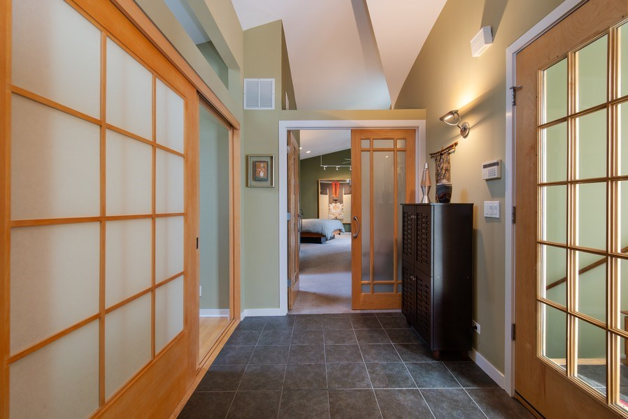 Real Estate Photography - 1037 North Wolcott Ave, Chicago, IL, 60622 - Foyer
