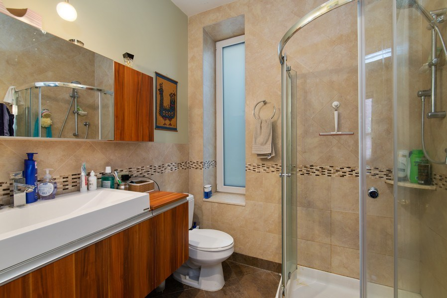 Real Estate Photography - 1037 North Wolcott Ave, Chicago, IL, 60622 - Bathroom