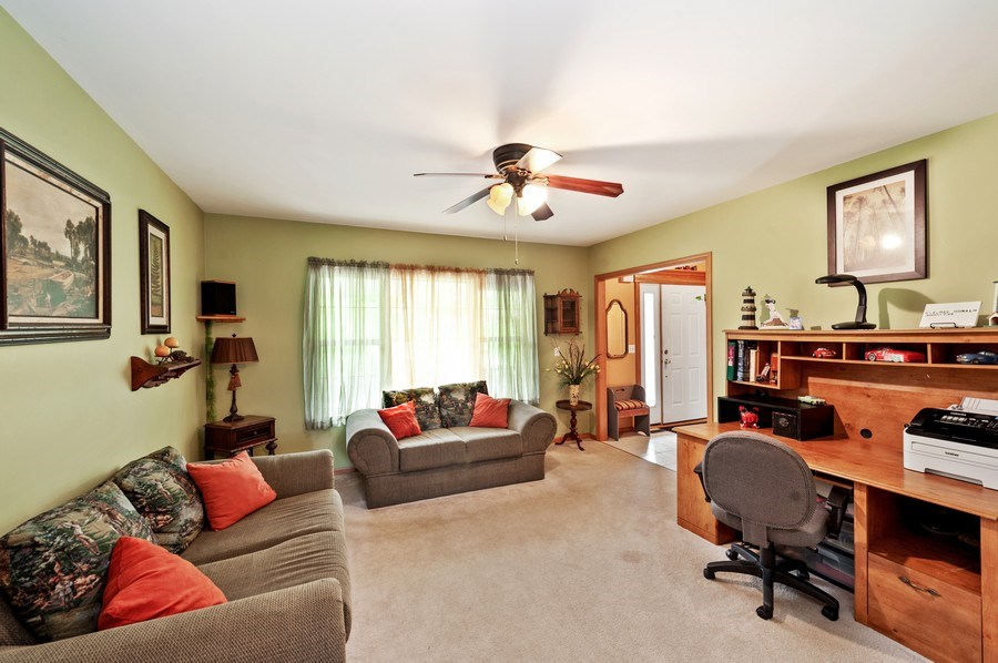 Real Estate Photography - 6809 Normandy Drive, Spring Grove, IL, 60081 - Living Room
