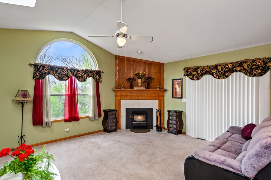 Real Estate Photography - 6809 Normandy Drive, Spring Grove, IL, 60081 - Family Room