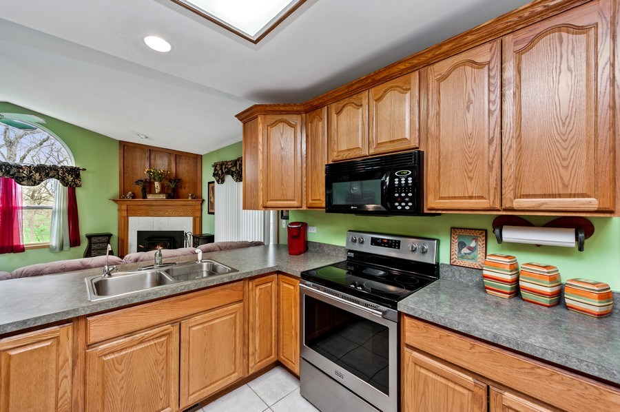 Real Estate Photography - 6809 Normandy Drive, Spring Grove, IL, 60081 - Kitchen