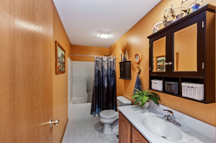 Real Estate Photography - 6809 Normandy Drive, Spring Grove, IL, 60081 - Guest Bath