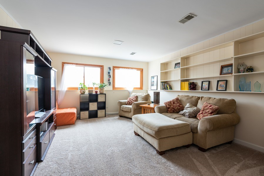 Real Estate Photography - 1754 Richfield Avenue, Highland Park, IL, 60035 - Family Room