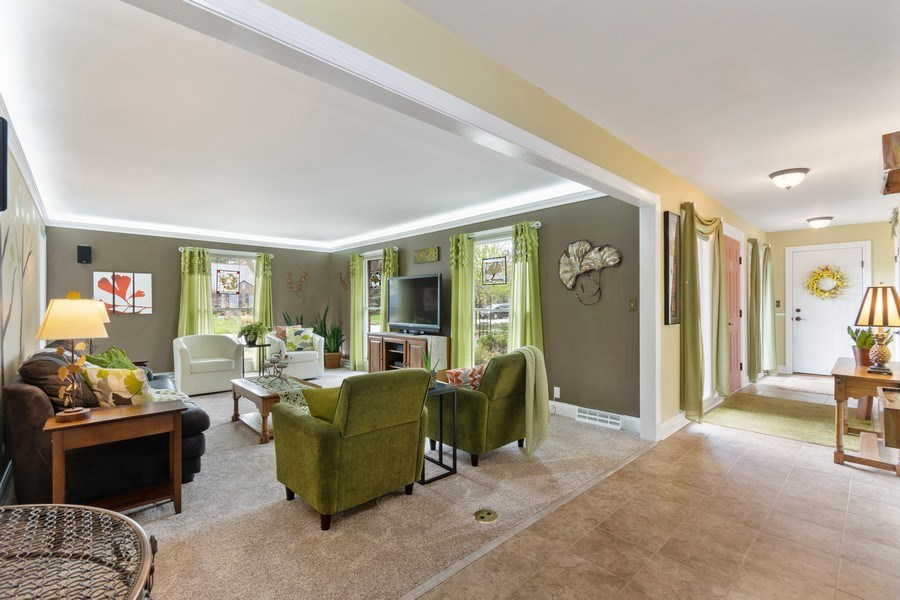Real Estate Photography - 615 West Lane, Geneva, IL, 60134 - Family Room