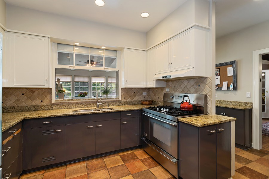 Real Estate Photography - 1727 Hinman Avenue, Evanston, IL, 60201 - Kitchen / Breakfast Room