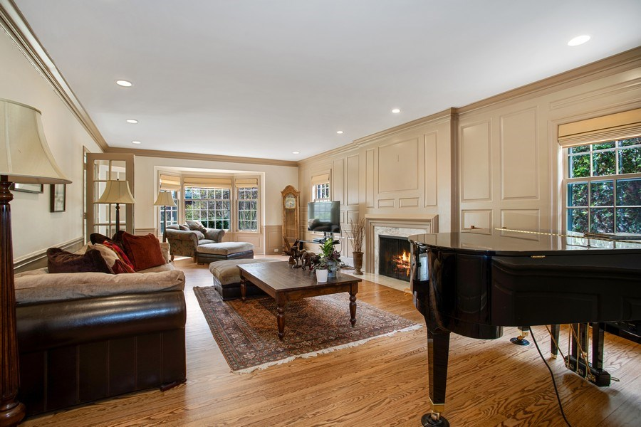 Real Estate Photography - 1727 Hinman Avenue, Evanston, IL, 60201 - Living Room