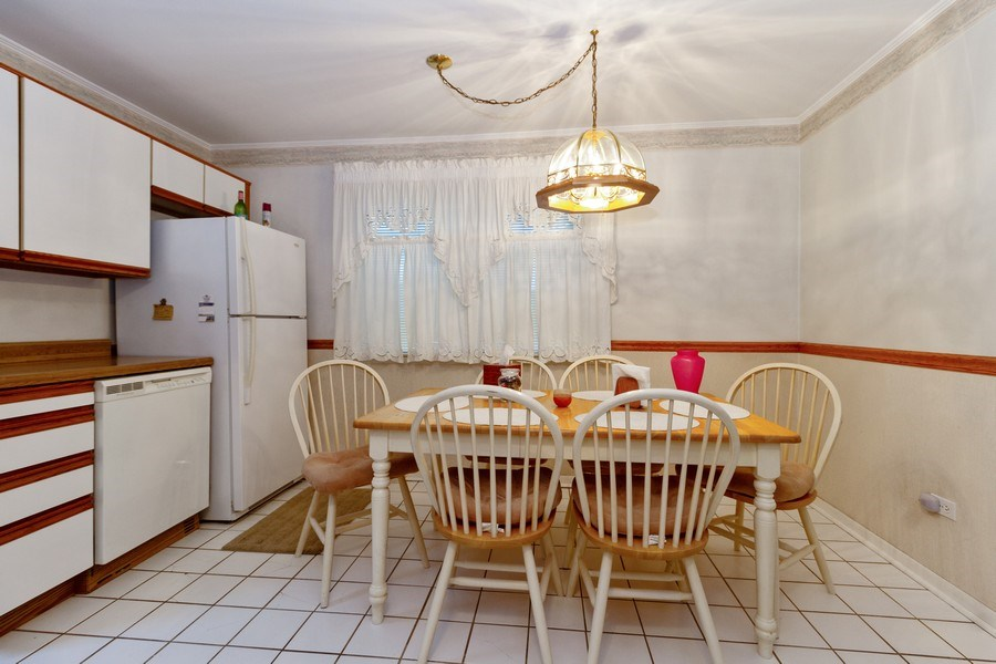 Real Estate Photography - 3709 W. 120th Place, Alsip, IL, 60803 - Kitchen / Breakfast Room