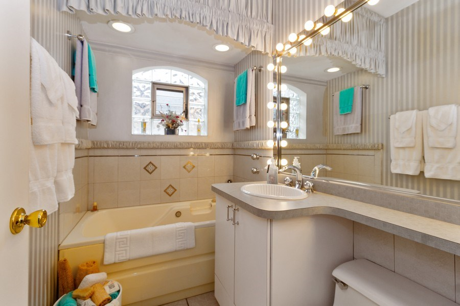 Real Estate Photography - 3709 W. 120th Place, Alsip, IL, 60803 - Bathroom