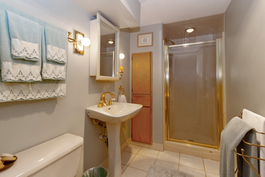 Real Estate Photography - 3709 W. 120th Place, Alsip, IL, 60803 - 2nd Bathroom