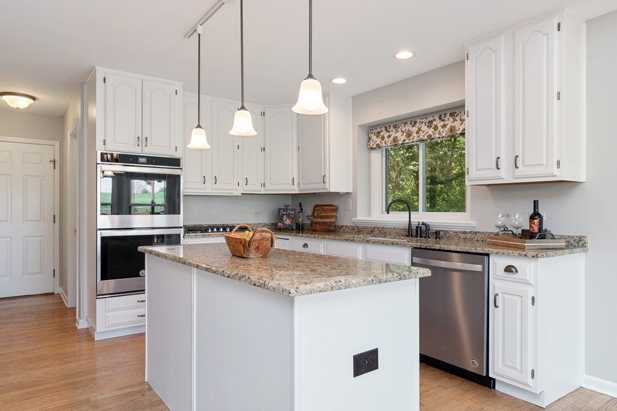 Real Estate Photography - 6308 Snead Court, Woodridge, IL, 60517 - Kitchen