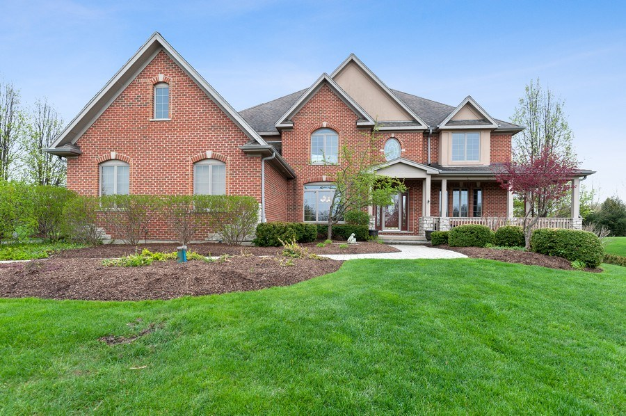Real Estate Photography - 39716 Orchard Bluff Lane, Wadsworth, IL, 60083 - Front