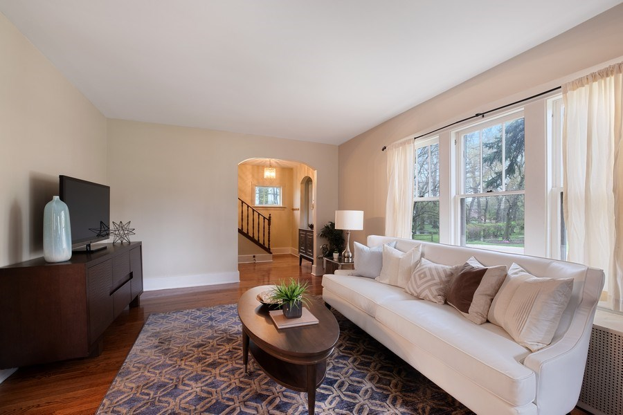 Real Estate Photography - 2447 Birchwood Ln, Wilmette, IL, 60091 - Living Room