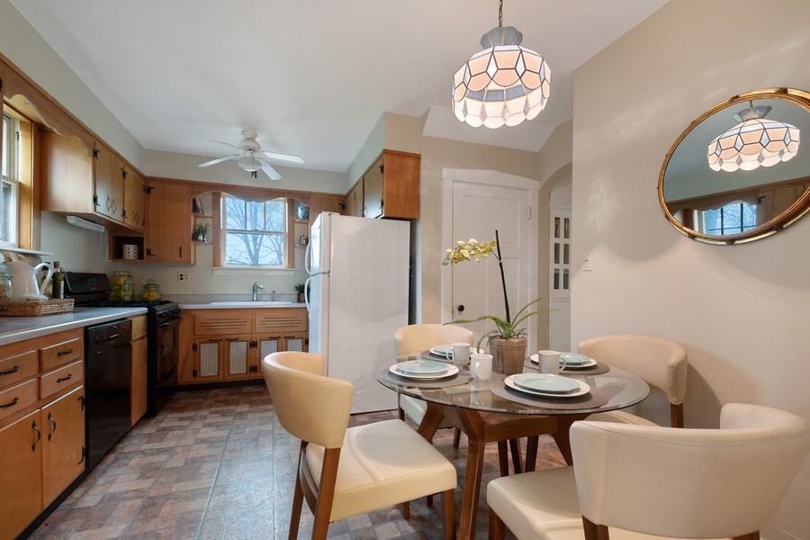 Real Estate Photography - 2447 Birchwood Ln, Wilmette, IL, 60091 - Kitchen