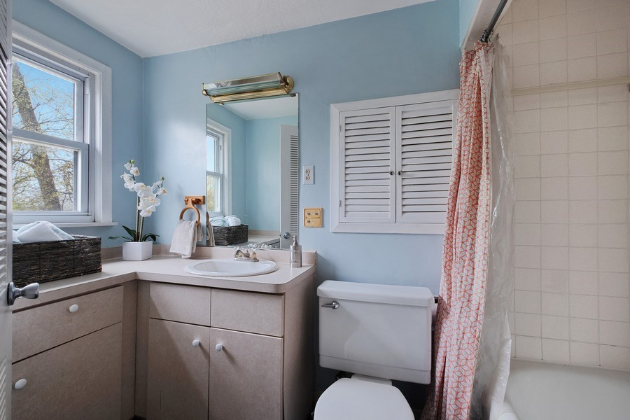 Real Estate Photography - 2447 Birchwood Ln, Wilmette, IL, 60091 - Bathroom