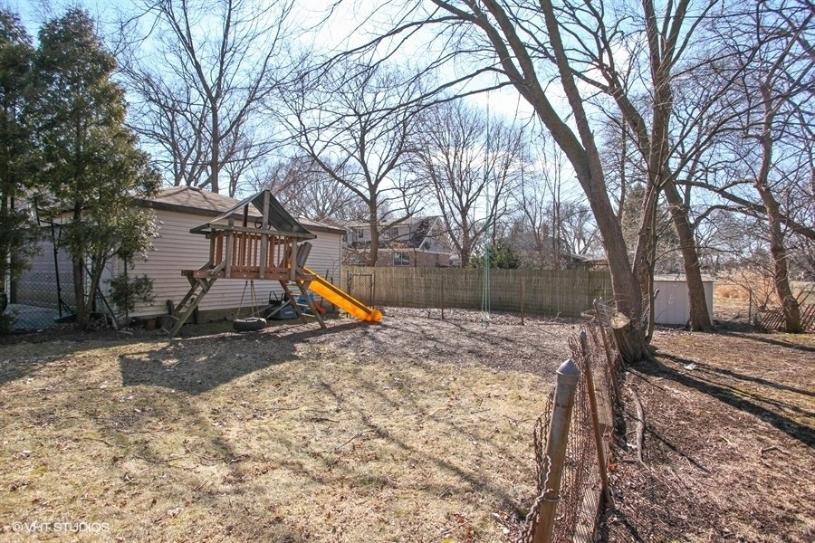 Real Estate Photography - 2447 Birchwood Ln, Wilmette, IL, 60091 -