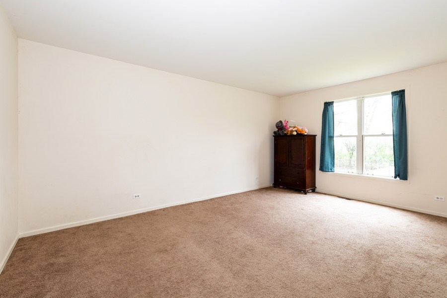 Real Estate Photography - 1100 Tanglewood Drive, Algonquin, IL, 60102 - Bedroom