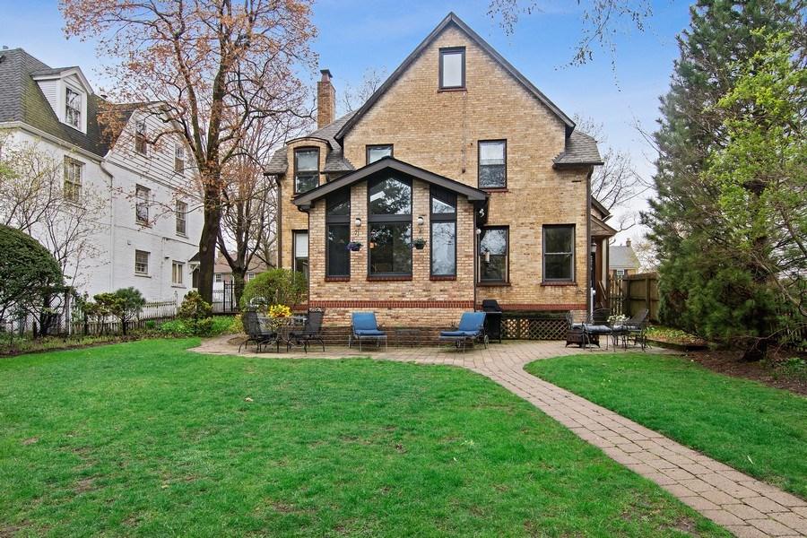 Real Estate Photography - 2757 Ridge Avenue, Evanston, IL, 60201 - Rear View