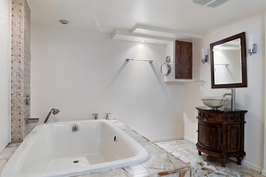 Real Estate Photography - 2757 Ridge Avenue, Evanston, IL, 60201 - Bathroom