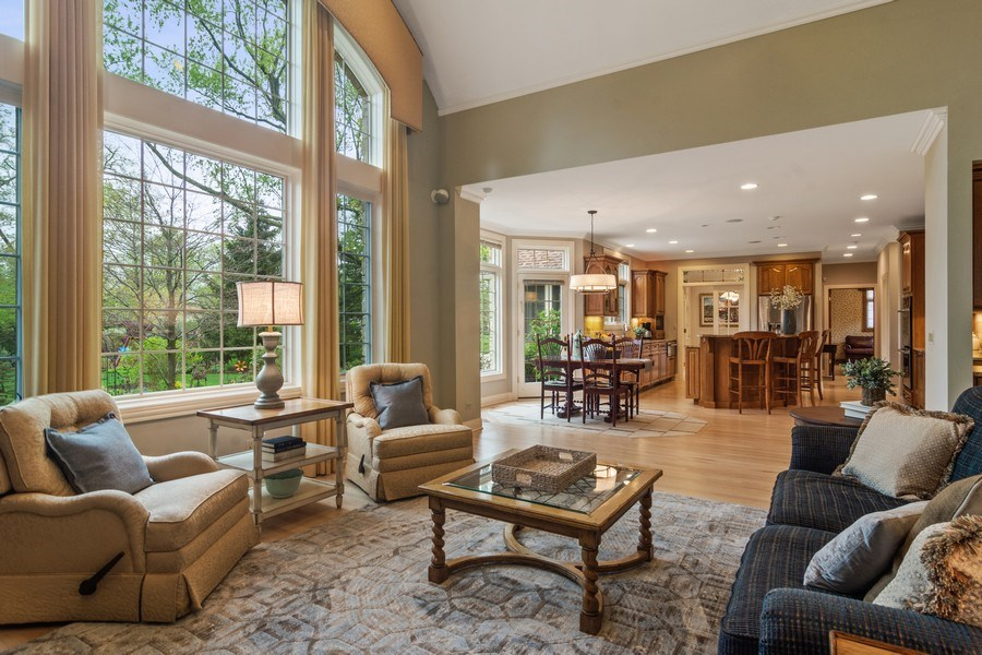 Real Estate Photography - 916 N. Forrest Avenue, Arlington Heights, IL, 60004 - Family Room features dramatic 2 story windows