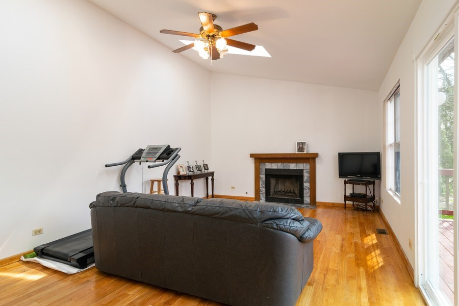 Real Estate Photography - 589 FOSTER Avenue, Bartlett, IL, 60103 - Family Room