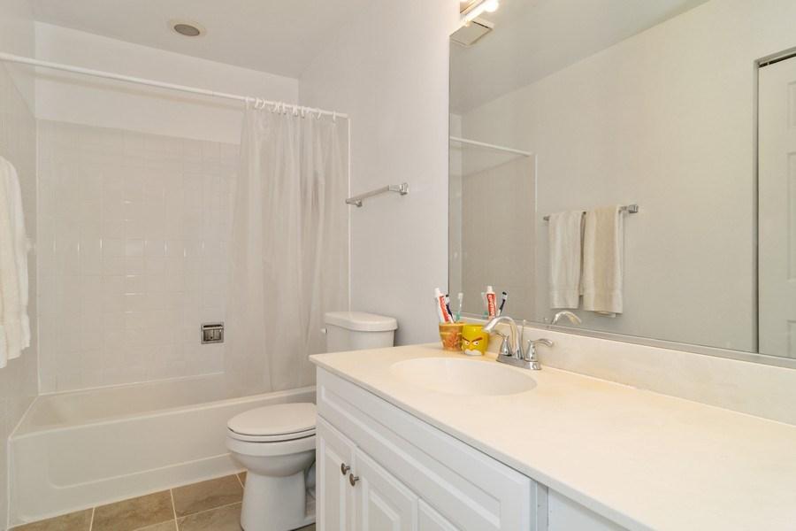 Real Estate Photography - 589 FOSTER Avenue, Bartlett, IL, 60103 - Bathroom