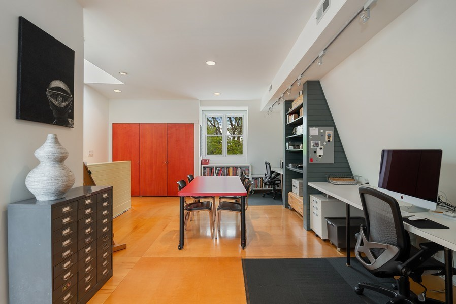 Real Estate Photography - 5310 North Magnolia Ave, Chicago, IL, 60640 - Office/Master bedroom
