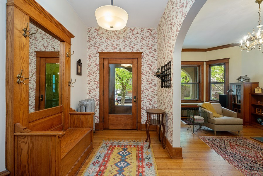 Real Estate Photography - 5310 North Magnolia Ave, Chicago, IL, 60640 - Foyer