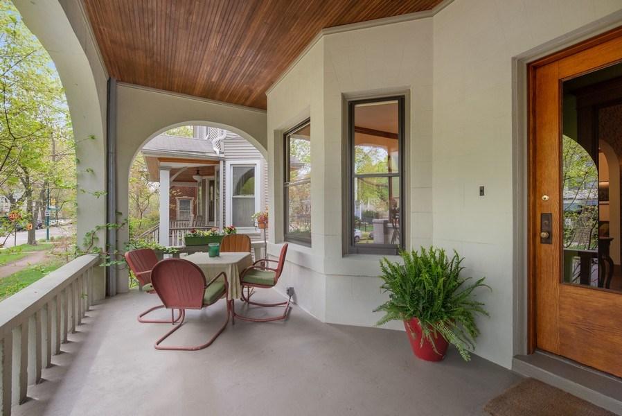 Real Estate Photography - 5310 North Magnolia Ave, Chicago, IL, 60640 - Porch
