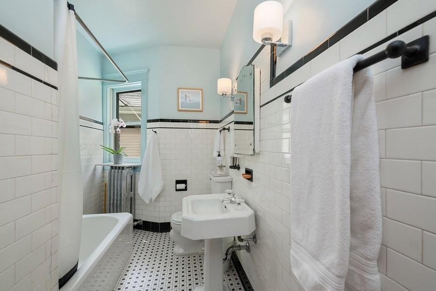 Real Estate Photography - 5310 North Magnolia Ave, Chicago, IL, 60640 - Bathroom