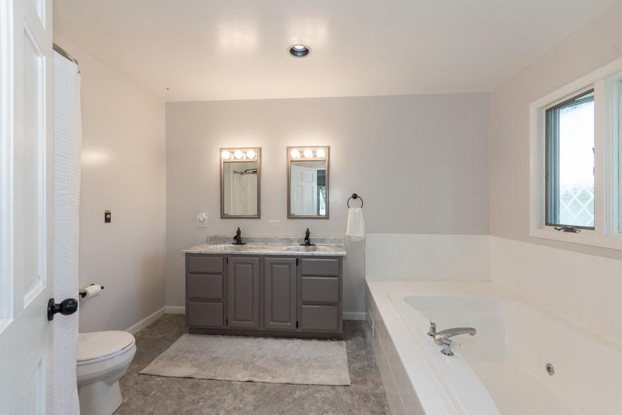 Real Estate Photography - 306 Hillside Pl, North Aurora, IL, 60542 - Master Bathroom