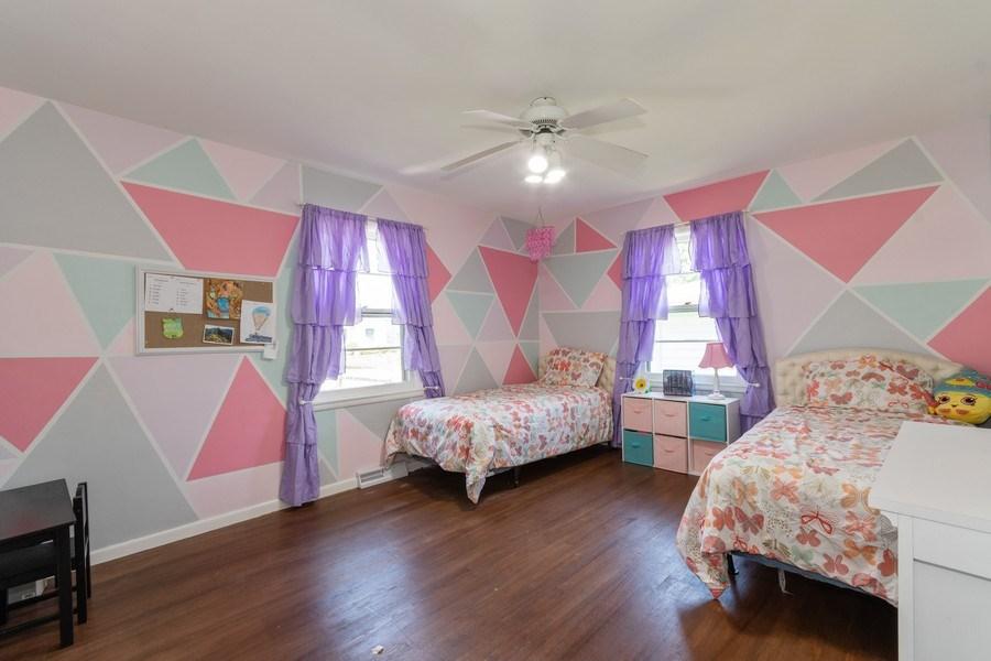 Real Estate Photography - 306 Hillside Pl, North Aurora, IL, 60542 - 2nd Bedroom