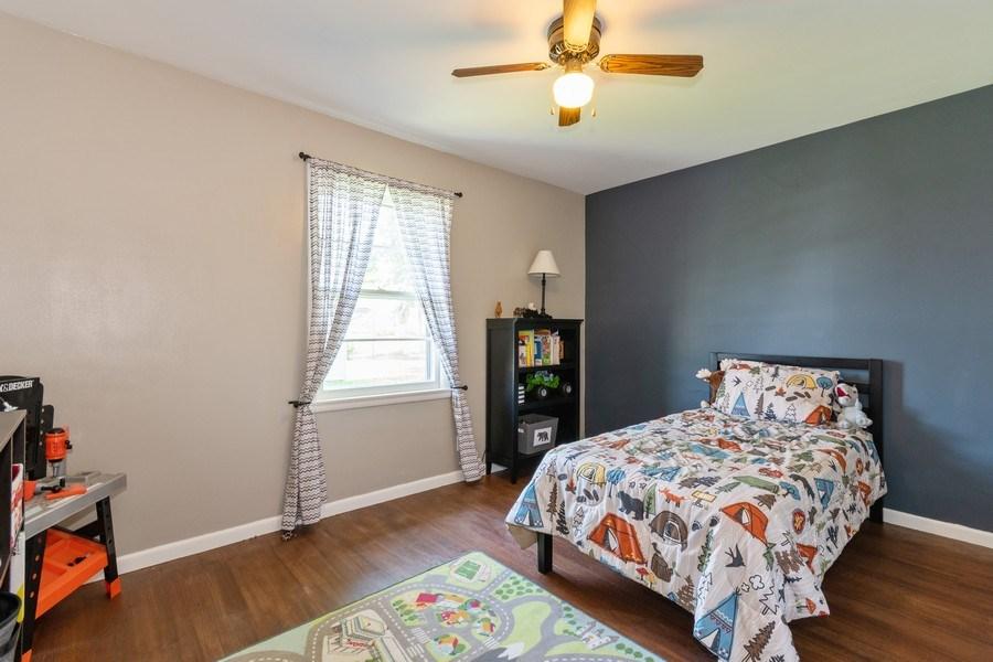 Real Estate Photography - 306 Hillside Pl, North Aurora, IL, 60542 - 3rd Bedroom