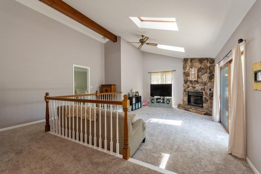 Real Estate Photography - 306 Hillside Pl, North Aurora, IL, 60542 - Family Room