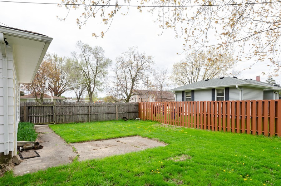 Real Estate Photography - 518 E. Van Buren Street, Marengo, IL, 60152 - Back Yard