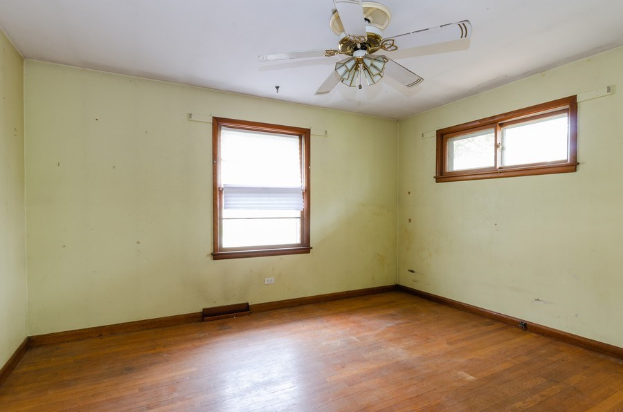 Real Estate Photography - 14N808 Castle Avenue, East Dundee, IL, 60118 - Master Bedroom