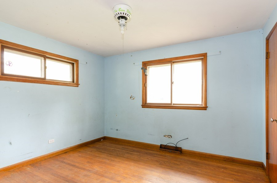 Real Estate Photography - 14N808 Castle Avenue, East Dundee, IL, 60118 - 2nd Bedroom
