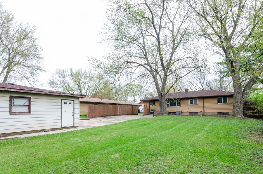 Real Estate Photography - 14N808 Castle Avenue, East Dundee, IL, 60118 - Rear View