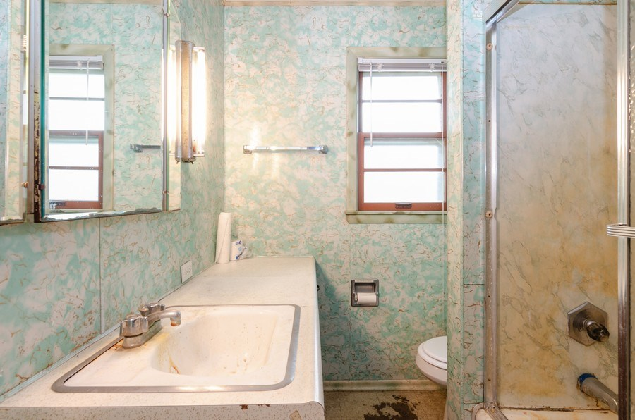 Real Estate Photography - 14N808 Castle Avenue, East Dundee, IL, 60118 - Bathroom