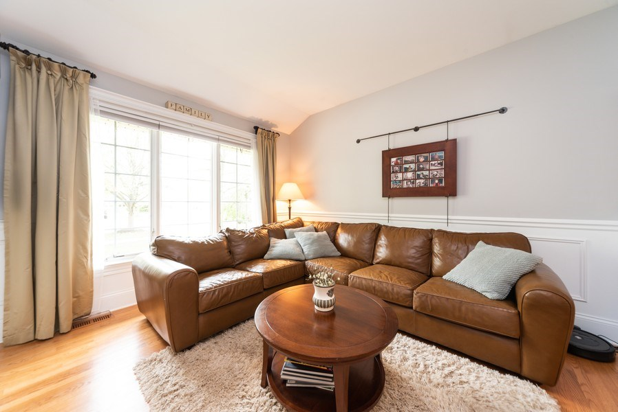 Real Estate Photography - 1172 N. Beverly Lane, Arlington Heights, IL, 60004 - Living Room