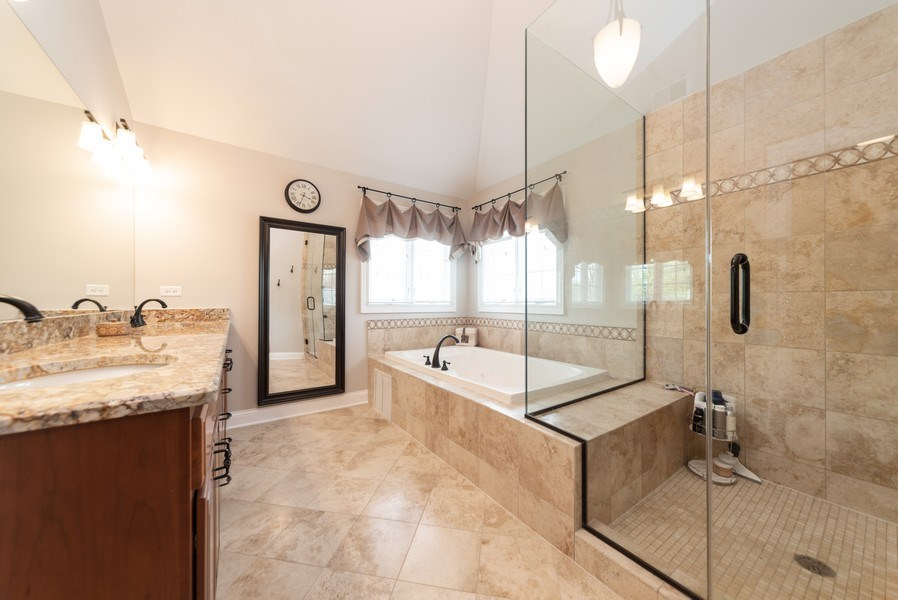 Real Estate Photography - 1172 N. Beverly Lane, Arlington Heights, IL, 60004 - Master Bathroom