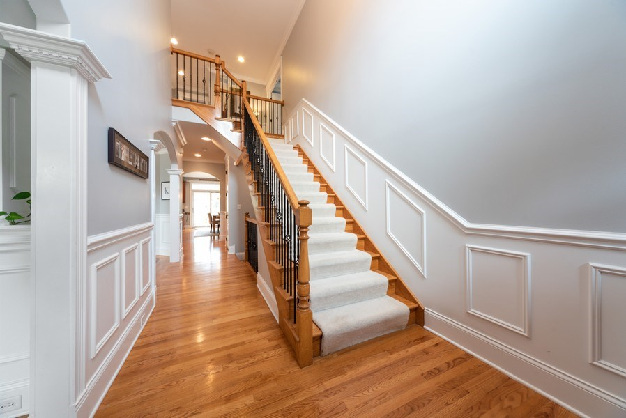 Real Estate Photography - 1172 N. Beverly Lane, Arlington Heights, IL, 60004 - Foyer