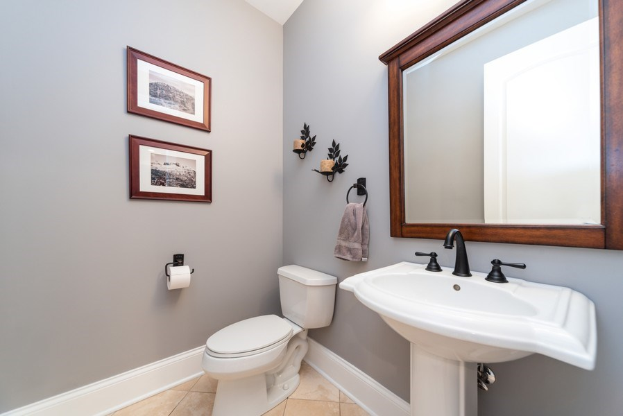 Real Estate Photography - 1172 N. Beverly Lane, Arlington Heights, IL, 60004 - Half Bath