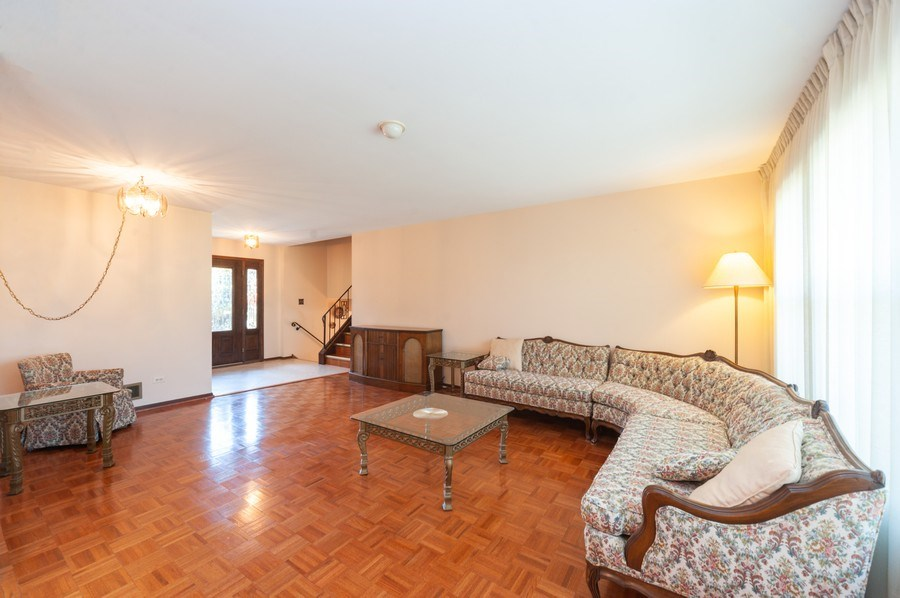 Real Estate Photography - 2419 N. Windsor Drive, Arlington Heights, IL, 60004 - Living Room